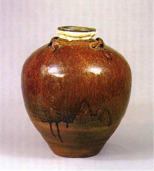 Figure 3. A typical brown-glazed four-eared Luzon jar (呂宋壷 [褐釉四耳壷]) exported to Japan by the Kingdom of Luzon in the mid-16th century. Photo courtesy of Hikone Castle Museum (彦根城博物館) Newsletter, Vol. 13, 1991 May 1.